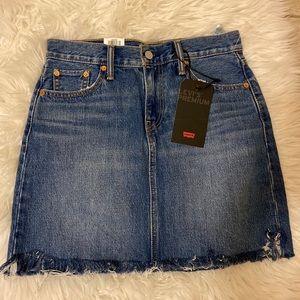 Levi's skirt size 26
